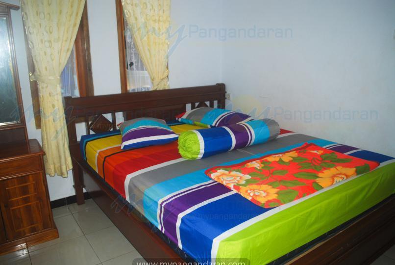 Tampilan kamar tidur bungalow pondok cempaka