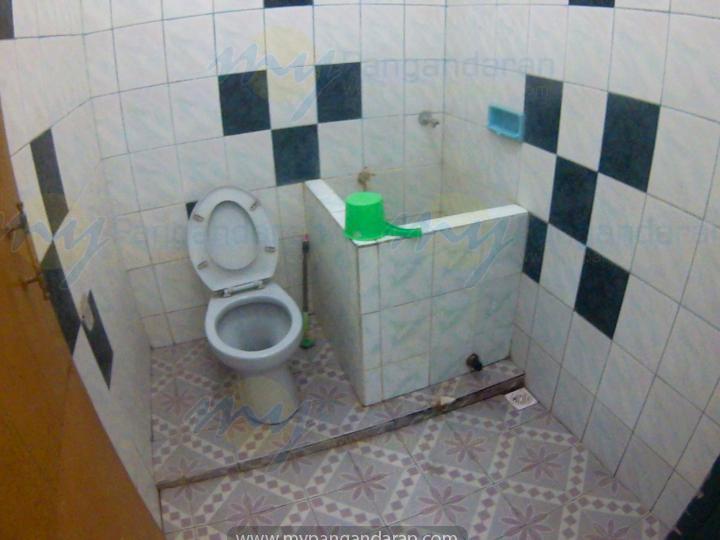 Tampilan kamar mandi bungalow pondok cempaka